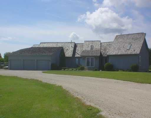 Main Photo: 3 POPLAR Avenue in BEAUSEJOUR: Beausejour / Tyndall Residential for sale (Winnipeg area)  : MLS®# 2800158