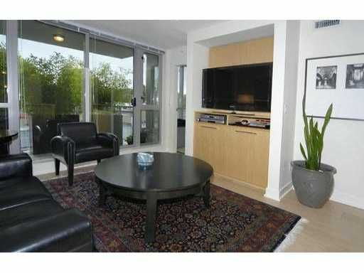 """Main Photo: 429 - 2008 Pine Street in Vancouver: False Creek Condo for sale in """"Mantra"""" (Vancouver West)  : MLS®# V852165"""