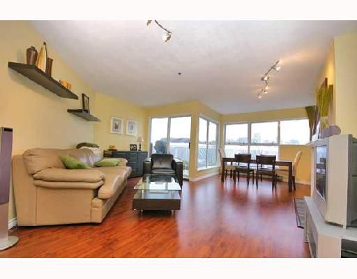 """Main Photo: 107 953 W 8TH Avenue in Vancouver: Fairview VW Townhouse for sale in """"THE SOUTHPORT"""" (Vancouver West)  : MLS®# V676314"""