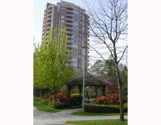 "Main Photo: 802 4689 HAZEL Street in Burnaby: Forest Glen BS Condo for sale in ""THE MADISON"" (Burnaby South)  : MLS®# V707028"