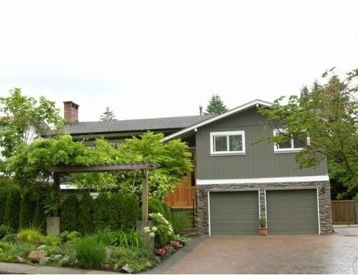 Main Photo: 1056 EMERSON WY in North Vancouver: House for sale : MLS®# V652942