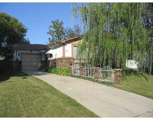 Main Photo: 91 LAKE ALBRIN Bay in WINNIPEG: Fort Garry / Whyte Ridge / St Norbert Single Family Detached for sale (South Winnipeg)  : MLS®# 2715005