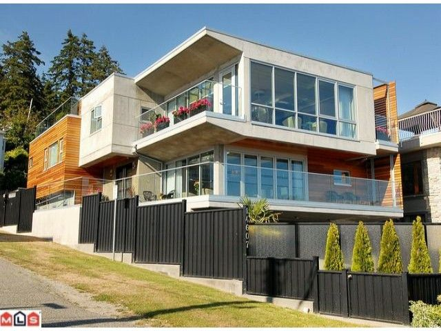 Main Photo: 14607 Marine Drive in White Rock: House for sale : MLS®# F1019029
