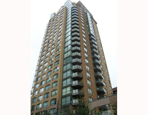 """Main Photo: 1902 1189 HOWE Street in Vancouver: Downtown VW Condo for sale in """"THE GENESIS"""" (Vancouver West)  : MLS®# V668998"""