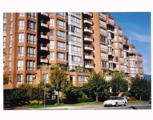 """Main Photo: 701 2201 PINE Street in Vancouver: Fairview VW Condo for sale in """"MERIDIAN COVE"""" (Vancouver West)  : MLS®# V669648"""