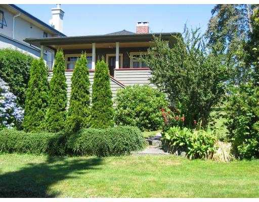 Main Photo: 1205 CLYDE Avenue in West_Vancouver: Ambleside House for sale (West Vancouver)  : MLS®# V650172