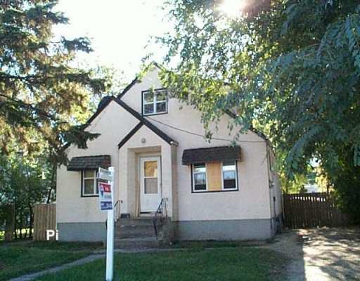 Main Photo: 120 DISRAELI Street in Winnipeg: North End Single Family Detached for sale (North West Winnipeg)  : MLS®# 2616744