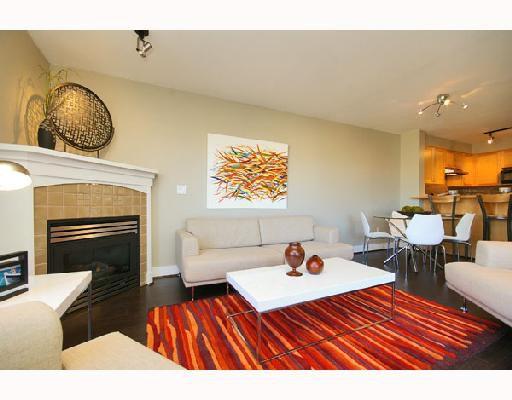 "Main Photo: 306 1858 W 5TH Avenue in Vancouver: Kitsilano Condo for sale in ""GREENWICH"" (Vancouver West)  : MLS®# V690914"