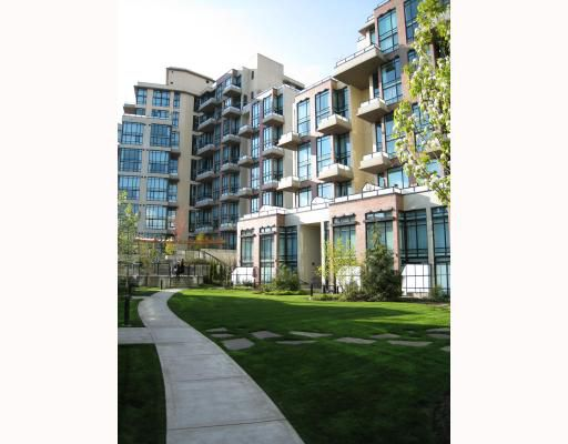 """Main Photo: 308 10 RENAISSANCE Square in New_Westminster: Quay Condo for sale in """"MURANO LOFT"""" (New Westminster)  : MLS®# V713363"""