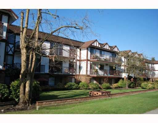 Main Photo: 211 - 131 W 4TH STREET in North Vancouver: Lower Lonsdale Condo for sale : MLS®# V785227