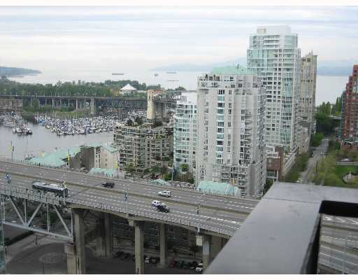 """Main Photo: 2802 583 BEACH Crescent in Vancouver: False Creek North Condo for sale in """"PARRWEST II"""" (Vancouver West)  : MLS®# V646096"""