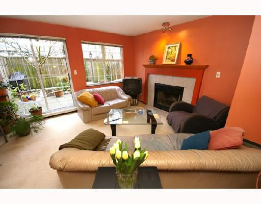 "Main Photo: 106 925 W 15TH Avenue in Vancouver: Fairview VW Condo for sale in ""EMPEROR"" (Vancouver West)  : MLS®# V687770"