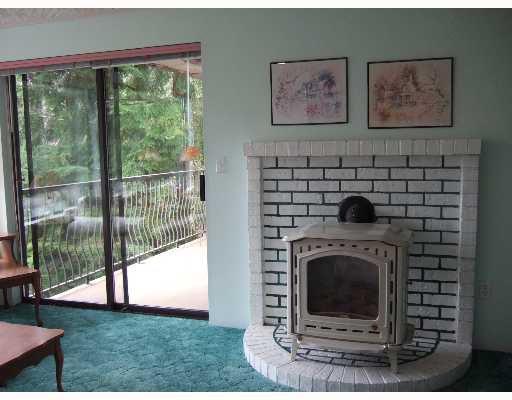 Photo 6: Photos: 5773 ANCHOR Road in Sechelt: Sechelt District House for sale (Sunshine Coast)  : MLS®# V639500