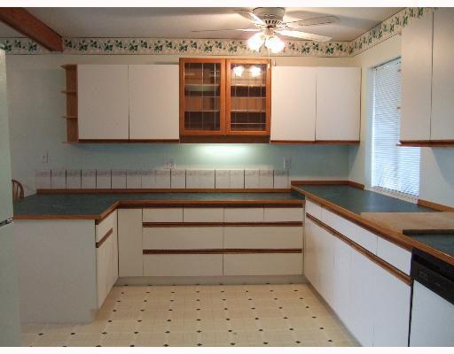 Photo 2: Photos: 5773 ANCHOR Road in Sechelt: Sechelt District House for sale (Sunshine Coast)  : MLS®# V639500