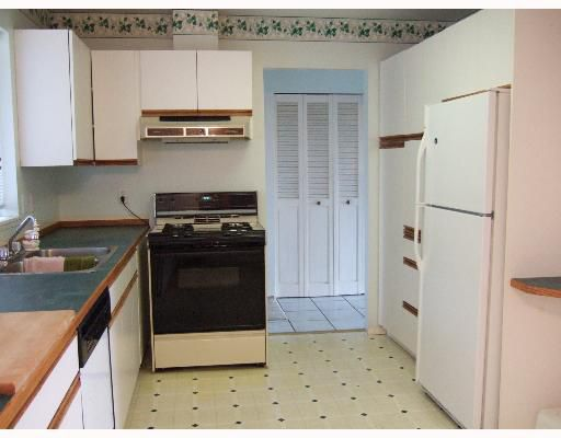 Photo 3: Photos: 5773 ANCHOR Road in Sechelt: Sechelt District House for sale (Sunshine Coast)  : MLS®# V639500
