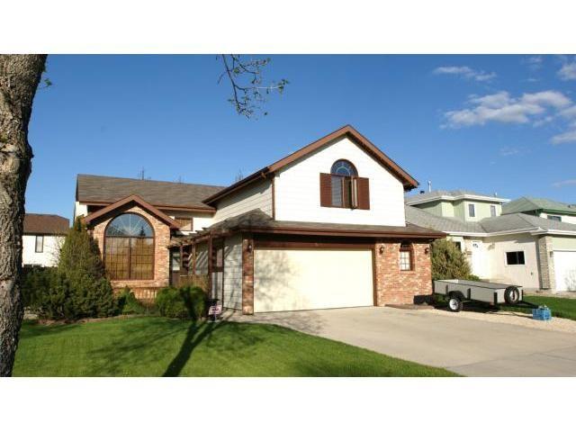 Main Photo: 66 Glenacres Crescent in Winnipeg: Residential for sale : MLS®# 1109680
