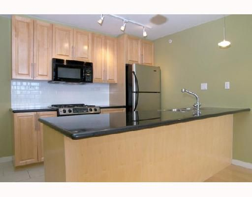 """Main Photo: 1805 989 BEATTY Street in Vancouver: Downtown VW Condo for sale in """"NOVA"""" (Vancouver West)  : MLS®# V662596"""