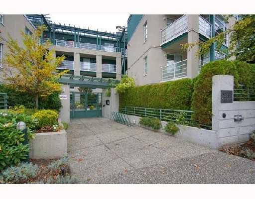 Main Photo: 405 2555 W 4TH Avenue in Vancouver: Kitsilano Condo for sale (Vancouver West)  : MLS®# V676236