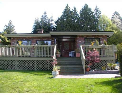 Main Photo: 572 ENGLISH BLUFF Road in Tsawwassen: Pebble Hill House for sale : MLS®# V643799