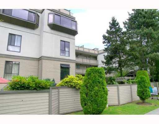 """Main Photo: 9 3437 W 4TH Avenue in Vancouver: Kitsilano Townhouse for sale in """"WATERWOOD COURT"""" (Vancouver West)  : MLS®# V688706"""