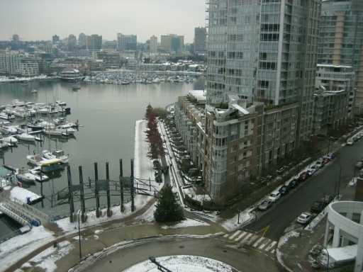 "Main Photo: 1199 MARINASIDE Crescent in Vancouver: False Creek North Condo for sale in ""AQUARIUS I"" (Vancouver West)  : MLS®# V622443"