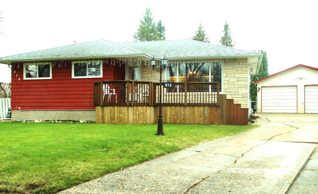 Main Photo: 515 Sharron Bay in Winnipeg: Residential for sale