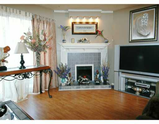 "Main Photo: 22162 122ND Ave in Maple Ridge: West Central Townhouse for sale in ""GOLDEN EARS CONDO"" : MLS®# V633103"