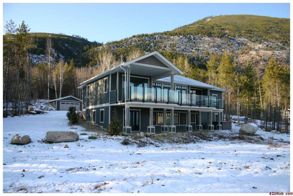 Main Photo: 4641 - 56 Street NW in Salmon Arm: Gleneden Residential Detached for sale : MLS®# 10034498