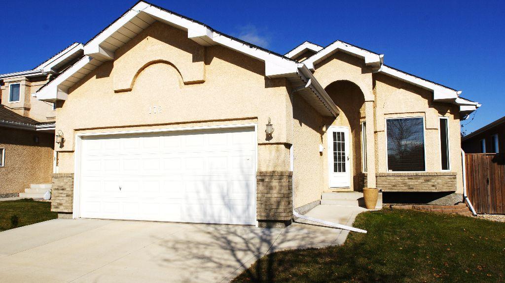 Main Photo: 172 Orum Drive in Winnipeg: North Kildonan Residential for sale (North East Winnipeg)  : MLS®# 1121571