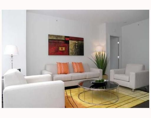 """Main Photo: 1007 480 ROBSON Street in Vancouver: Downtown VW Condo for sale in """"R&R"""" (Vancouver West)  : MLS®# V673093"""