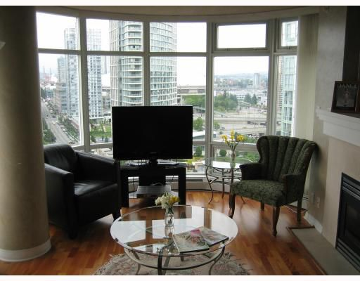 "Main Photo: 1902 198 AQUARIUS MEWS BB in Vancouver: False Creek North Condo for sale in ""AQUARIUS II"" (Vancouver West)  : MLS®# V656607"