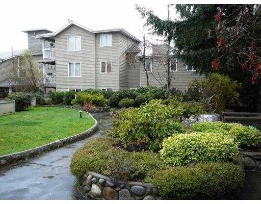 """Main Photo: 304 1523 BOWSER Avenue in North_Vancouver: Norgate Condo for sale in """"ILLAHEE"""" (North Vancouver)  : MLS®# V710675"""