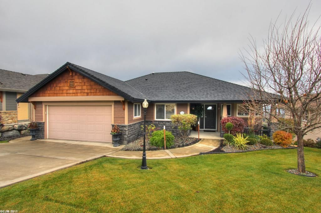 Main Photo: 3948 Sunset Ranch Drive in Kelowna: Ellison Residential Detached for sale : MLS®# 10038003