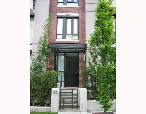 """Main Photo: 388 SMITHE Street in Vancouver: Downtown VW Townhouse for sale in """"YALETOWN PARK I"""" (Vancouver West)  : MLS®# V669881"""