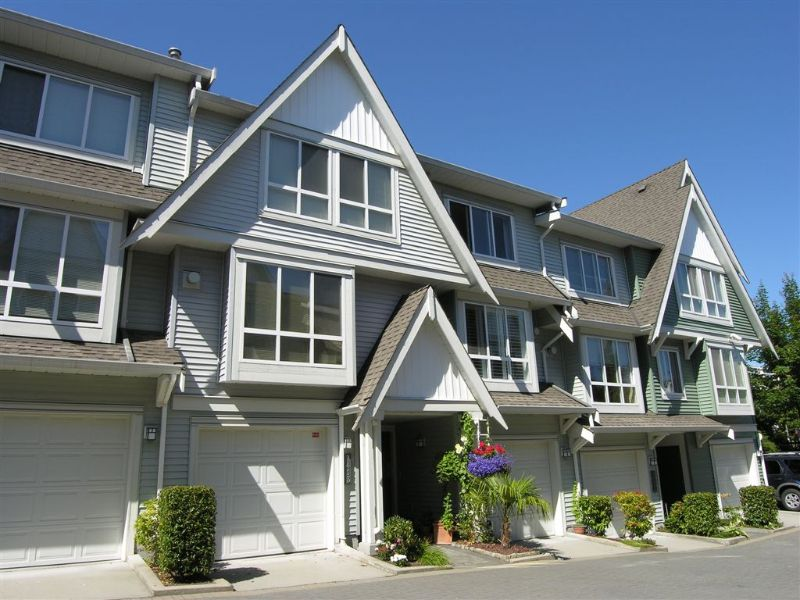 """Main Photo: 7419 HAWTHORNE Terrace in Burnaby: Middlegate BS Townhouse for sale in """"THE BERKELEY"""" (Burnaby South)  : MLS®# V658392"""