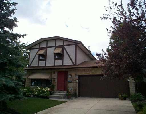 Main Photo: 83 BUNN'S Grove in Winnipeg: North Kildonan Single Family Detached for sale (North East Winnipeg)  : MLS®# 2511362