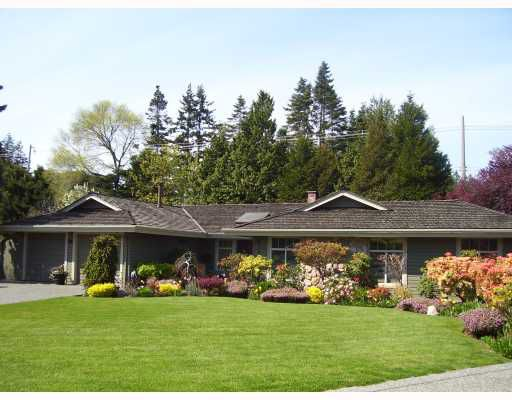 "Main Photo: 94 DEERFIELD PL in Tsawwassen: Pebble Hill House for sale in ""DEERFIELD"" : MLS®# V756579"