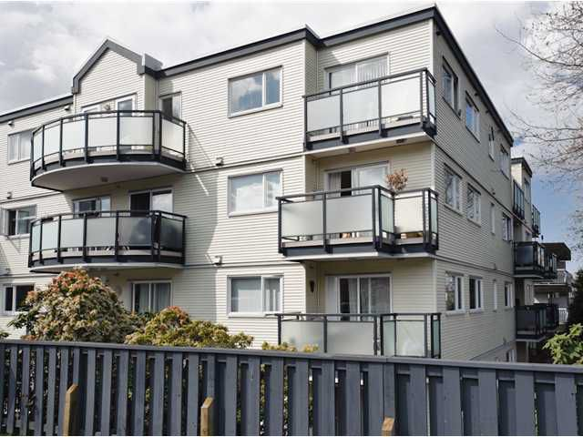 """Main Photo: # 405 33 N TEMPLETON DR in Vancouver: Hastings Condo for sale in """"33 NORTH"""" (Vancouver East)  : MLS®# V883720"""