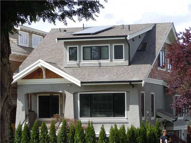 Main Photo: 3209 W2nd ave in Vancovuer: Townhouse for sale : MLS®# v901813
