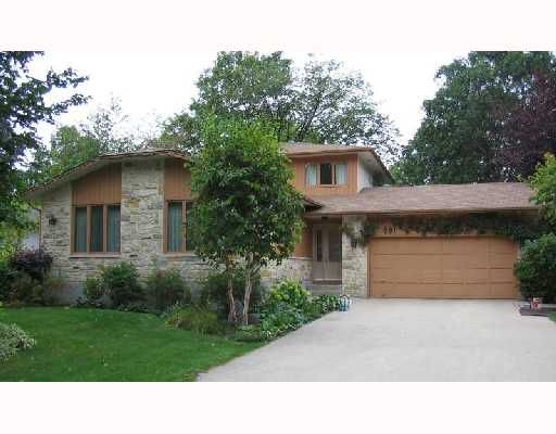 Main Photo: 881 KILKENNY Drive in WINNIPEG: Fort Garry / Whyte Ridge / St Norbert Single Family Detached for sale (South Winnipeg)  : MLS®# 2715892