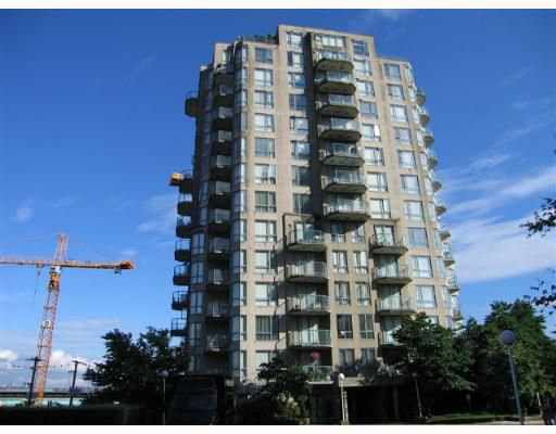 """Main Photo: PH1 828 AGNES Street in New_Westminster: Downtown NW Condo for sale in """"Westminster Towers"""" (New Westminster)  : MLS®# V654129"""