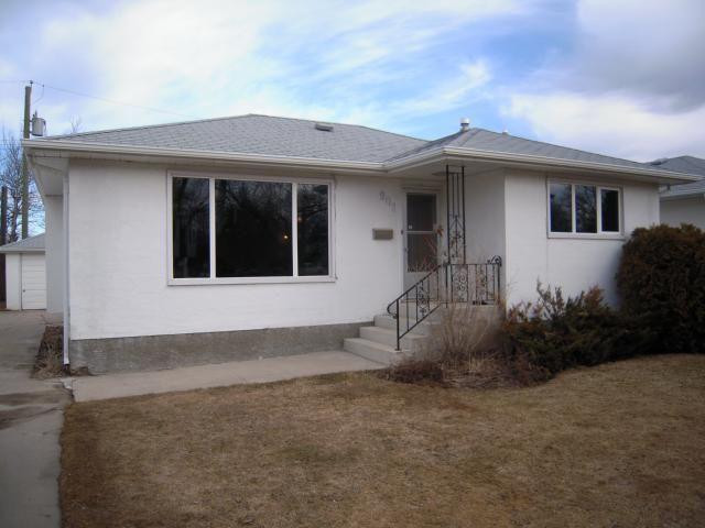 Main Photo: 909 DOWKER AVE in Winnipeg: Residential for sale : MLS®# 1106284