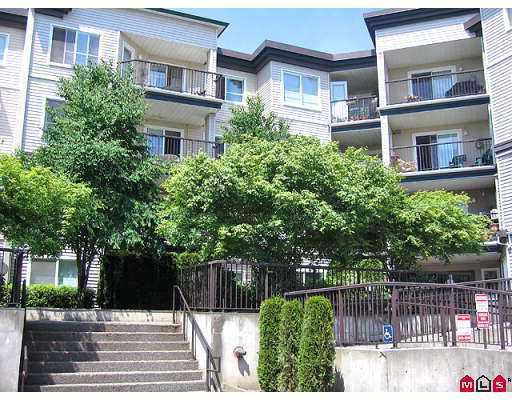 """Main Photo: 215 5765 GLOVER Road in Langley: Langley City Condo for sale in """"COLLEGE COURT"""" : MLS®# F2718870"""