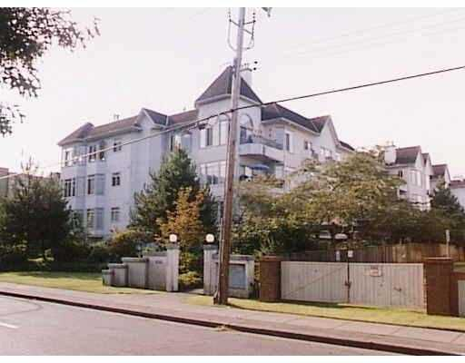 """Main Photo: 302 8680 LANSDOWNE RD in Richmond: Brighouse Condo for sale in """"MARQUIS"""" : MLS®# V537622"""