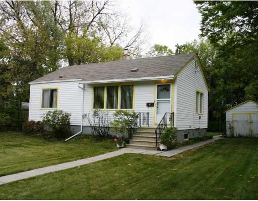 Main Photo:  in WINNIPEG: St Vital Residential for sale (South East Winnipeg)  : MLS®# 2919488