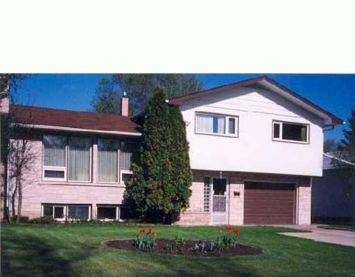 Main Photo: 52 THATCHER Drive in Winnipeg: Fort Garry / Whyte Ridge / St Norbert Single Family Detached for sale (South Winnipeg)  : MLS®# 2604063