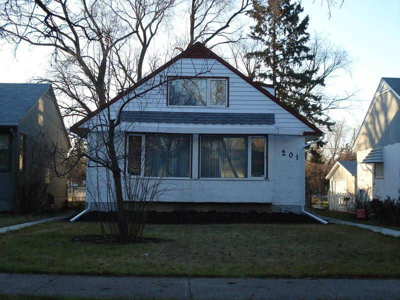 Main Photo:  in : River Heights / Tuxedo / Linden Woods Residential for rent