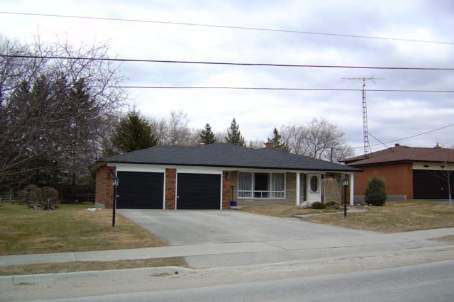 Main Photo: 17 Joseph St in UXBRIDGE: House (Backsplit 3) for sale (N16: BROCK)  : MLS®# N879349