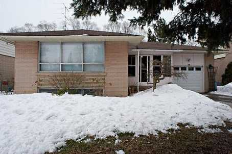 Main Photo: 78 Bedford  Park Avenue in Richmond Hill: House (Bungalow) for sale (N04: RICHMOND HILL)  : MLS®# N1326569