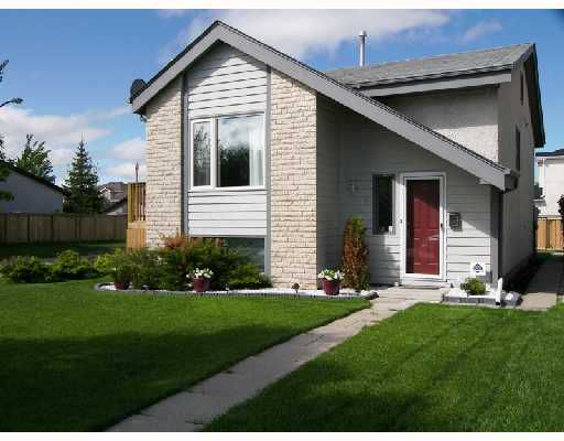 Main Photo: 18 ALDGATE Road in WINNIPEG: St Vital Residential for sale (South East Winnipeg)  : MLS®# 2810441